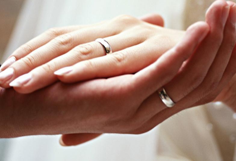 結婚指輪 キュレ