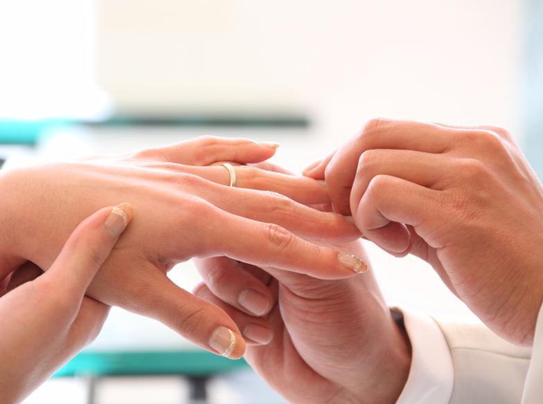 やっぱり婚約・結婚指輪はプラチナが定番。まずは知ることが大事!