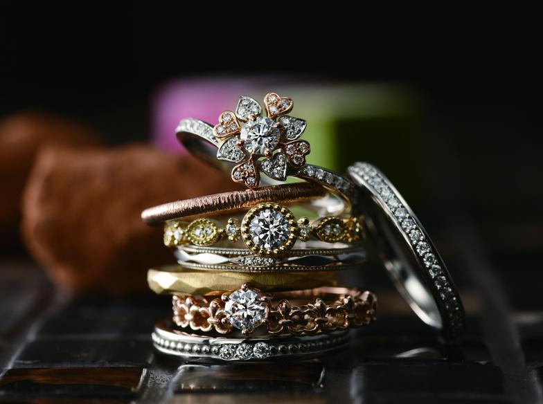 ゴールド×アンティークの結婚指輪が可愛い…