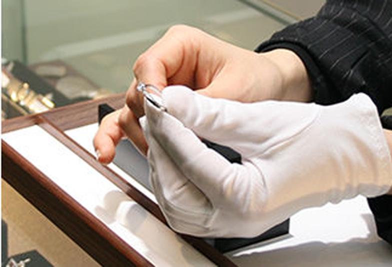 静岡市のブライダルジュエリーアドバイザーに聞く!私に似合うリングはどれ?ファッション別の結婚指輪の選び方♡