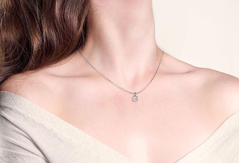 指輪のサイズが分からなくてもOK プロポーズ時に婚約指輪の代わりにダイヤモンドネックレスを贈る 【浜松・浜松市】