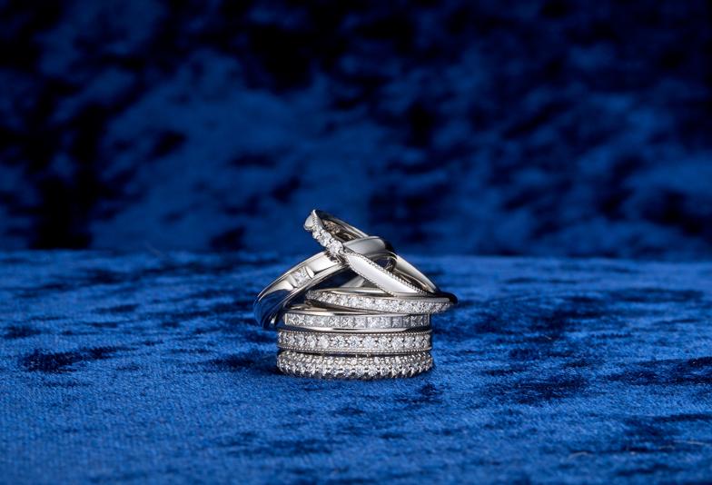 """【浜松市】ブライダルリング専門店の""""こだわりが詰まったオリジナル婚約指輪・結婚指輪""""の重ね着け「セットリング」が人気"""