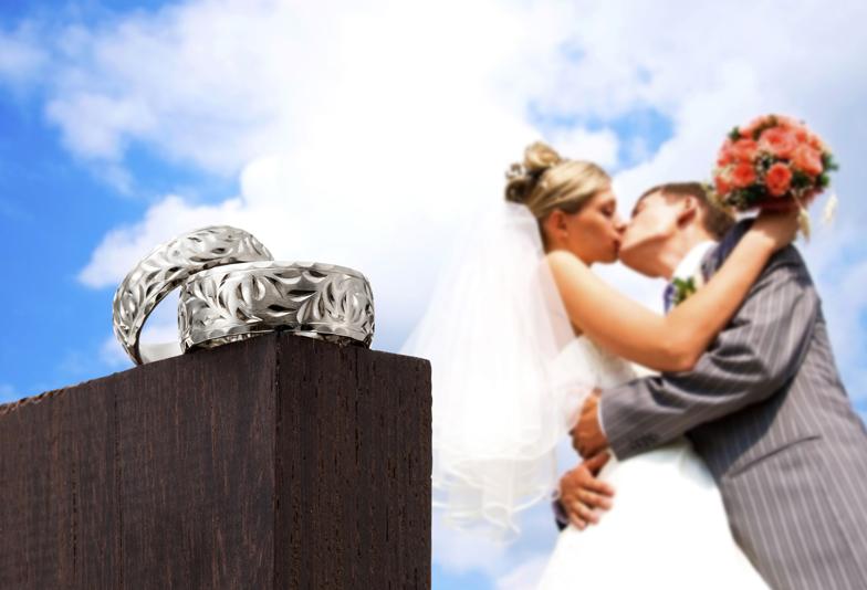 浜松市 ハワイアンジュエリーの結婚指輪・婚約指輪 手彫り模様が美しい&鍛造製法リング