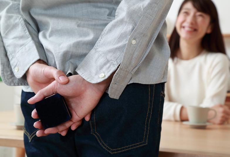 【浜松・浜松市】婚約指輪の渡し方 彼女が喜ぶサプライズプロポーズ・プレゼントの方法とは?