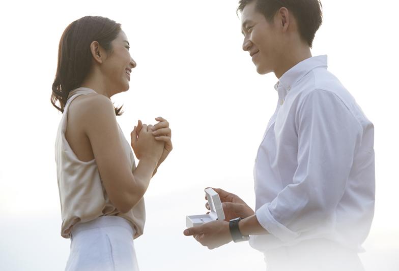 【浜松】これで完璧!「プロポーズのタイミング」&プロポーズをロマンチックにするアイテム「婚約指輪」