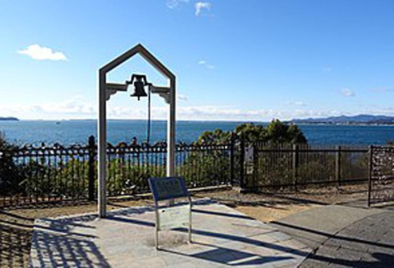300px-浜名湖サービスエリア_恋人の聖地