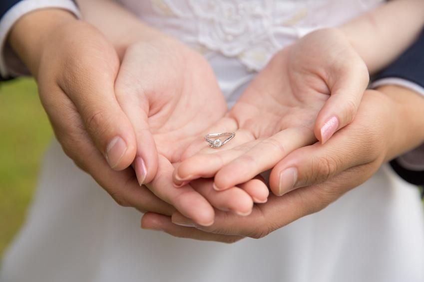 【静岡市】婚約指輪はプロポーズの強力なお助けアイテム