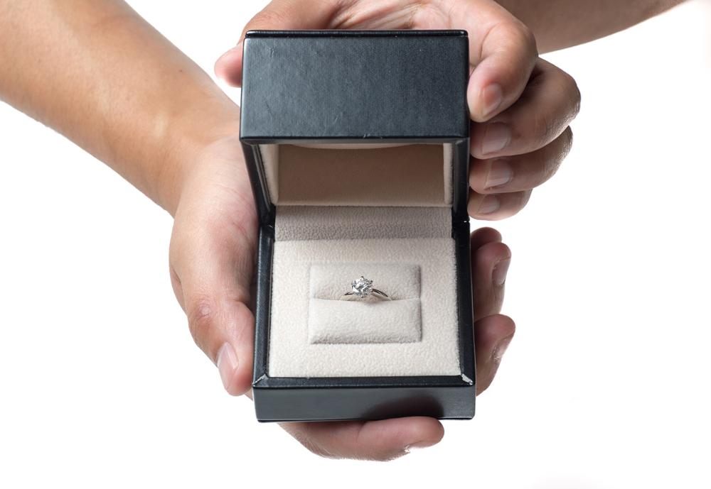 【静岡市】プロポーズに、こんな婚約指輪はいかが?こだわりの婚約指輪デザイン♡