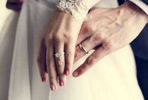 浜松 結婚指輪と婚約指輪、同じブランドで買う?違うブランドで…