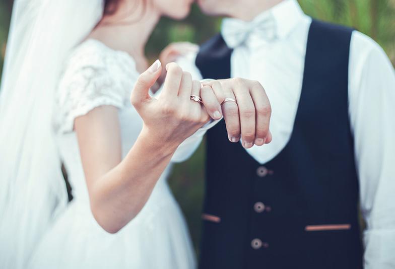 「フリー素材結婚式」の画像検索結果