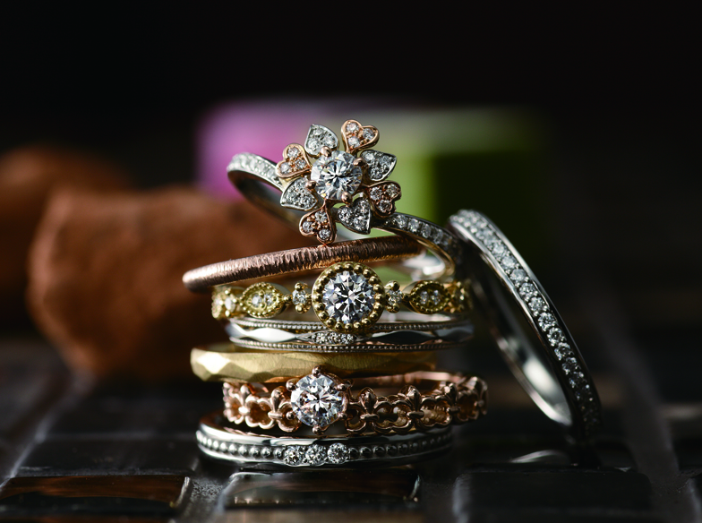 ゴールド×アンティークの結婚指輪が可愛い♡みんなが選んでる人…