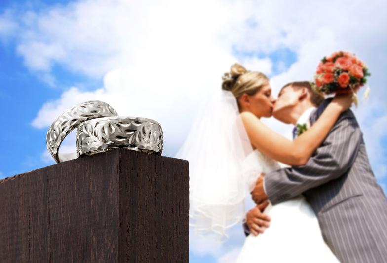 """【浜松市】伝統ある""""ハワイアンジュエリー""""を結婚指輪に 高品質&抜群の耐久性 鍛造づくり(鍛造製法)のMAKANA~マカナ~"""