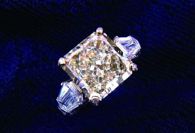 究極の輝きのダイヤモンドが静岡にやってくる!