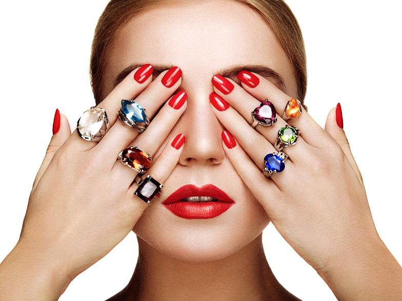 【静岡市】ダイヤモンド以外の婚約指輪?色石Ring?