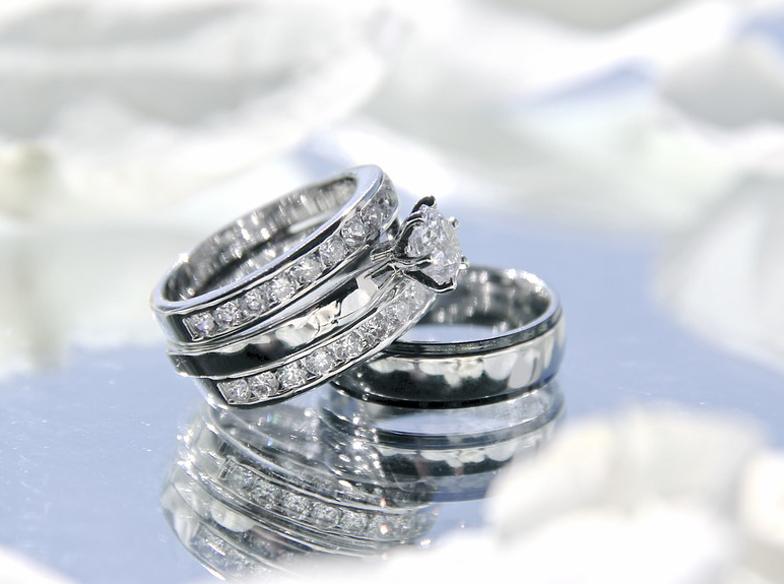 【静岡市のプレ花嫁へ】婚約指輪にエタニティリング♡永遠の象徴エタニティリングの魅力
