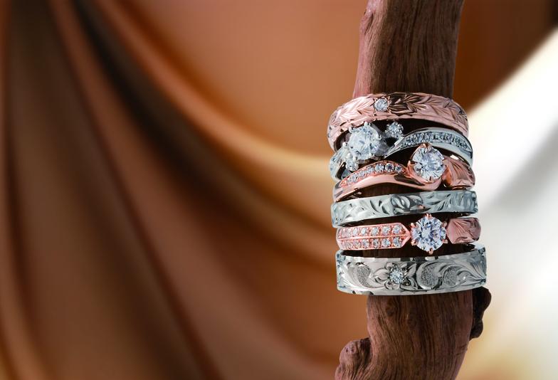 【浜松市】彫模様のある婚約指輪・結婚指輪をお探しの方へ