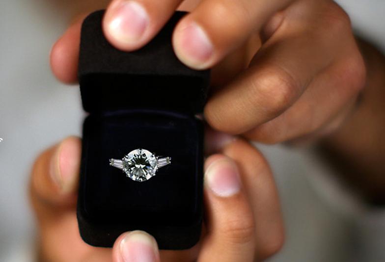 静岡市で素敵なクリスマスプロポーズを♡まだ間に合う!計画的に婚約指輪を購入する方法