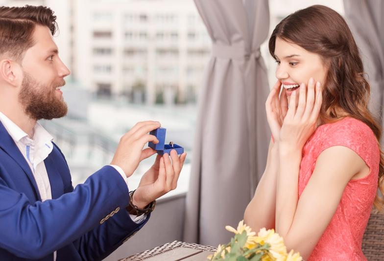 プロポーズ男子必見!婚約指輪は絶対用意するべき!?その理由とは?【静岡市】