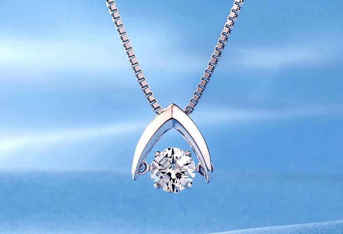 【静岡】ワンランク上の輝きを貴方に-ダンシングダイヤモンドネックレス-