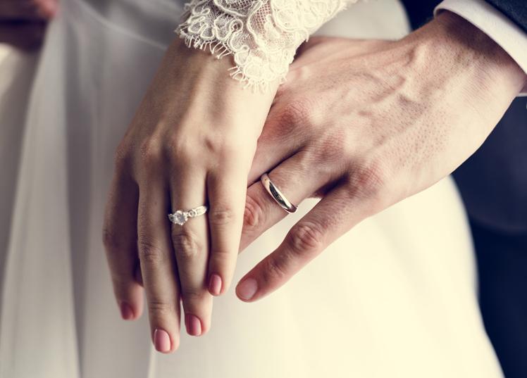 静岡市の人気の結婚指輪♡シンプルだけど私らしいデザインを見つける方法
