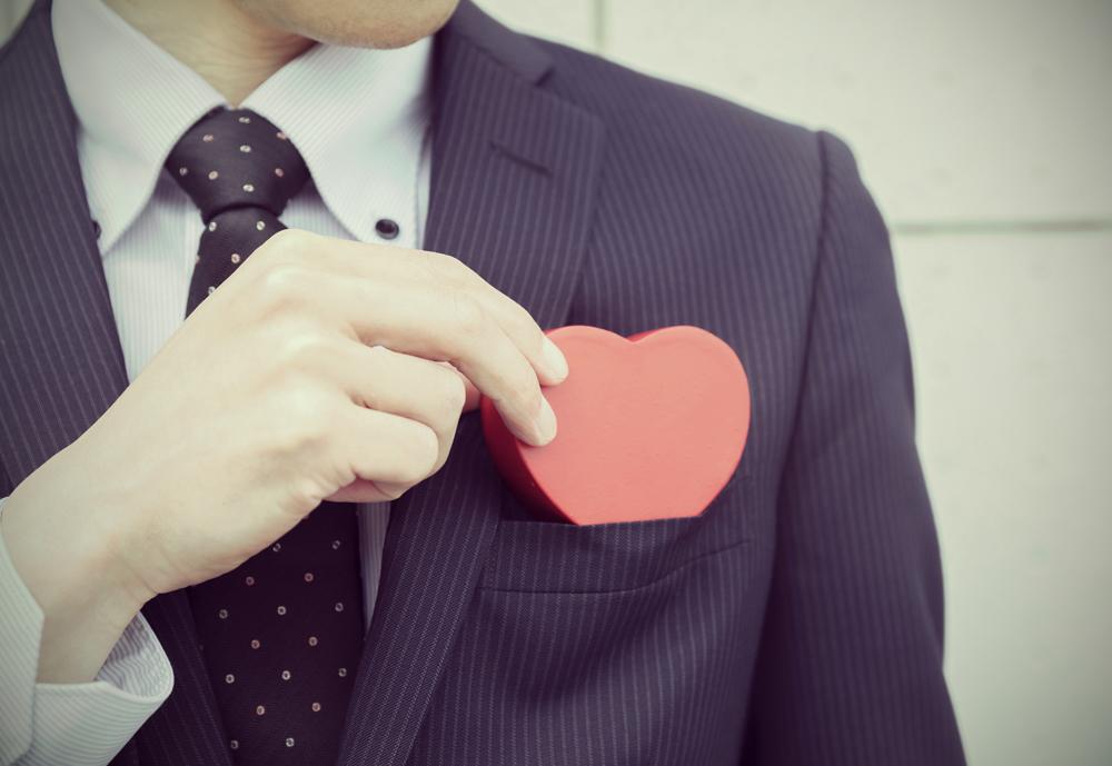 【静岡市】婚約指輪の渡し方?サプライズプロポーズに感動を♡