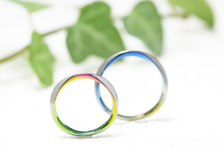 浜松で一番個性的!人と違う結婚指輪なら ブルーやレッド、オレンジ、パープル系  色が選べる カラフルな結婚指輪を選ぼう