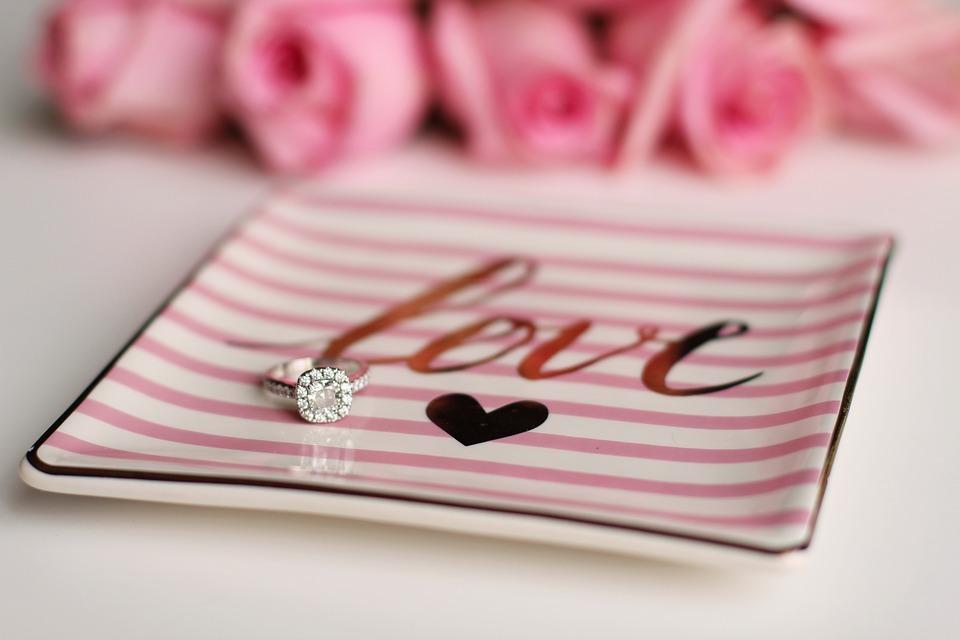 【静岡市】イマドキ花嫁に人気の婚約指輪デザインBest 5!!これさえおさえれば完璧