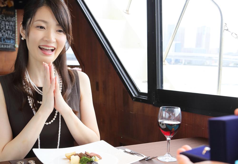 【静岡市】プロポーズでダイヤモンドを贈る意味