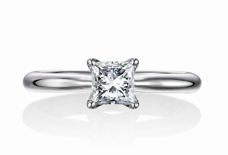 top-princess_cut_pt_engage_ring_front