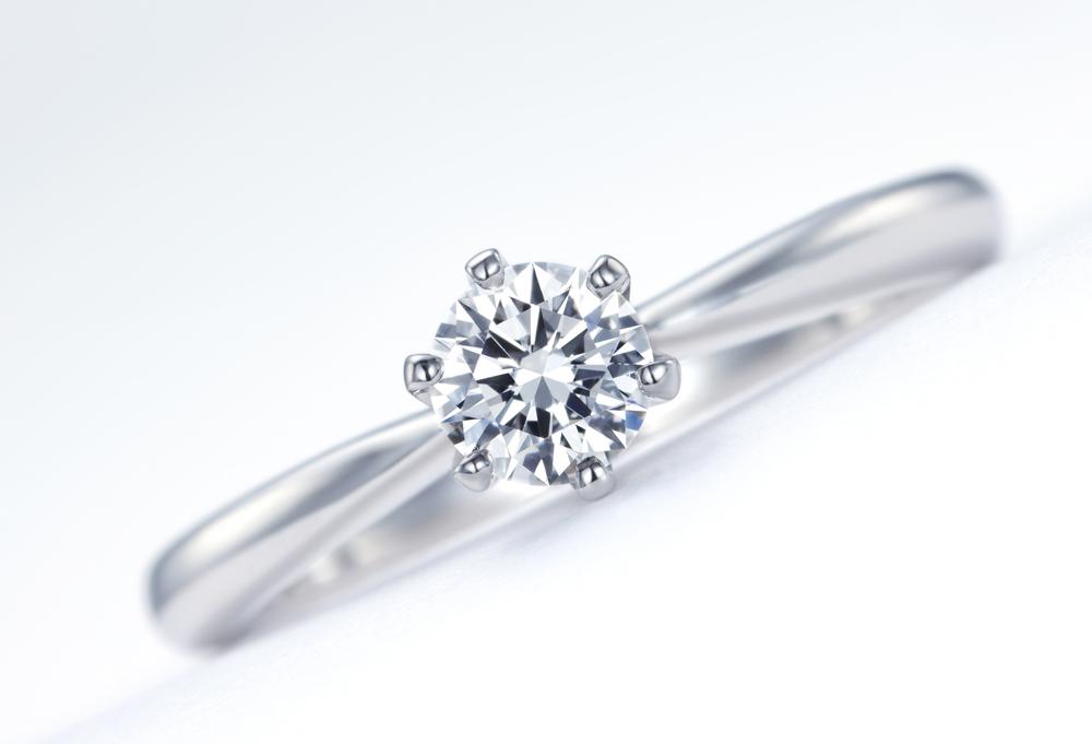 【静岡市】ピュアな愛の象徴。ダイヤモンドが婚約指輪の定番になった理由とは?