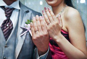 【福山市】運命の相手との結婚指輪はピンクダイヤモンドが入ったリングで決まり♡