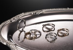 【浜松】個性が光るデザイナーズブランドの結婚指輪、おふたりらしさをデザインに♡