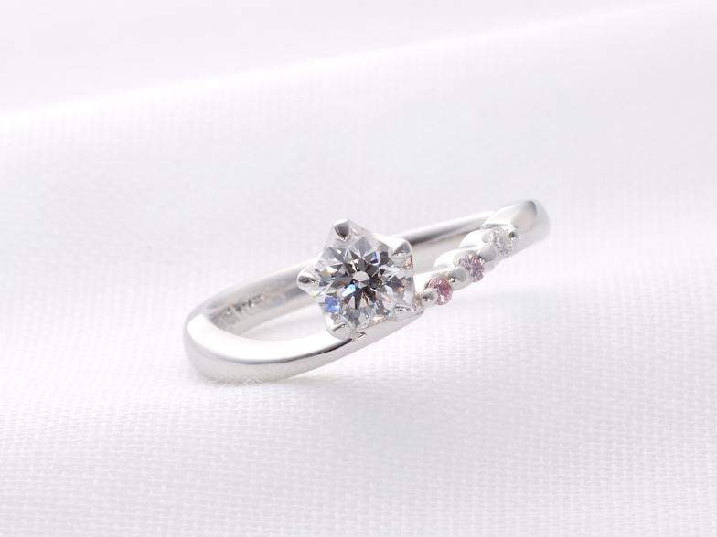 ピンクダイヤモンドのエンゲージ