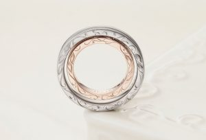 【静岡市】おしゃれな結婚指輪探し。側面にデザインを入れられるオーダーメイドリング