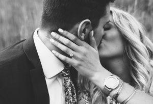 【富士市】プロポーズ考えたら婚約指輪は今すぐ準備!その理由は?