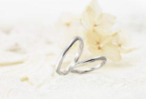 【浜松市】女性に人気!ベーシックなデザインの結婚指輪をご紹介