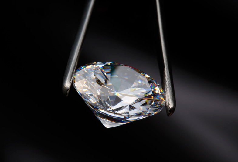 【豊橋】婚約指輪のダイヤモンド大きさ(カラット)はどのくらい??