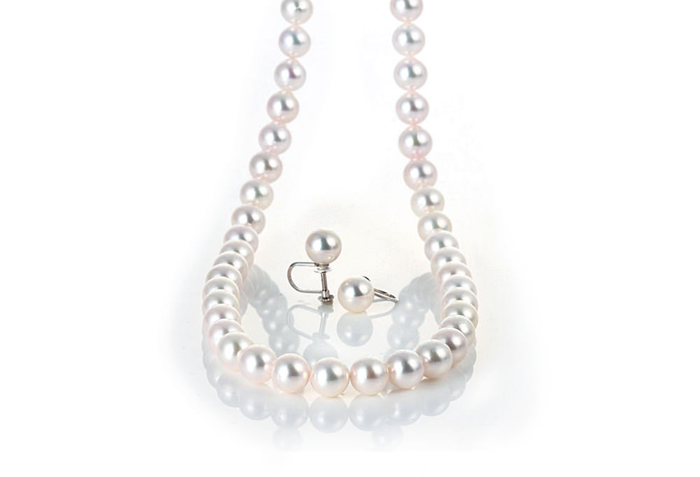 【静岡市】成人のお祝いに贈る『あこや真珠ネックレス』は、真珠専門店へ。