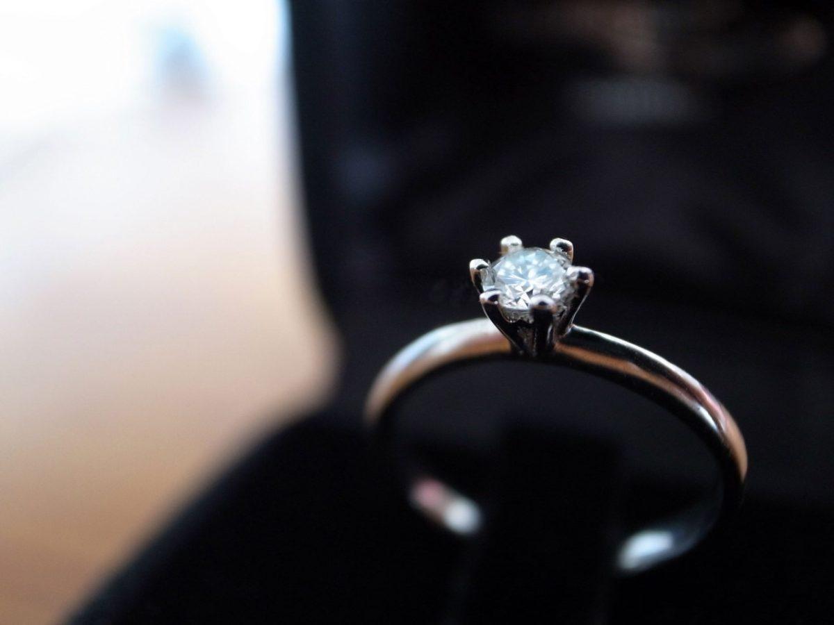 【神奈川県横浜市】婚約指輪の選び方特集!セミオーダーの魅力とは?