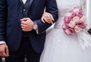 【富山市】指がむくんで指輪がきつい…。簡単にできるむくみ解消法を紹介♪