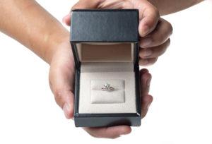 【浜松市】プロポーズリング(婚約指輪)当日のお持ち帰りも可能です!
