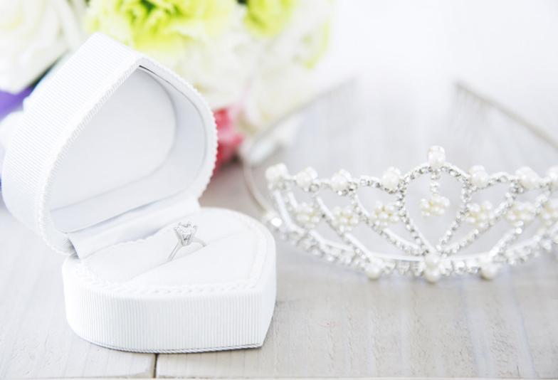 【浜松市】女性憧れの婚約指輪!失敗しないために婚約指輪の人気デザインを知っておこう!