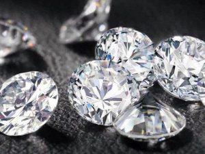 【金沢市】なぜ婚約指輪はダイヤモンドなの・・?
