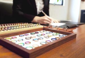 【静岡市】個性的な結婚指輪と言えば?自分らしいカラーで作る「SORA(ソラ)」のデザイン人気ランキング