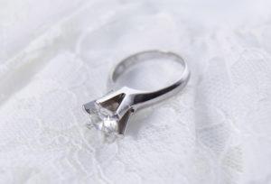 【福山市】お母さんからもらった立て爪の婚約指輪!オシャレなデザインへリフォーム♡