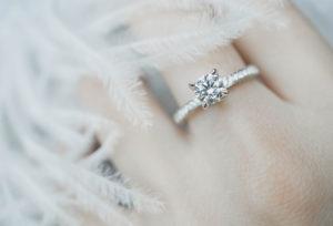【大阪・岸和田】婚約指輪のダイヤモンドの大きさはどれぐらいを選ぶの?