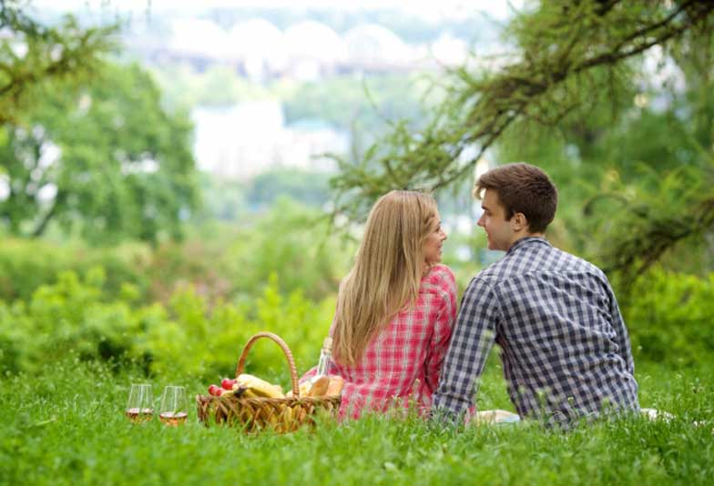 【浜松】婚約指輪の探し方とは?口コミを参考にした効率よい婚約指輪の探し方。サプライズで指輪を探したい方も必見!