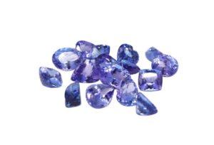 【静岡市】ダイヤモンドより稀少!?青紫色が美しい宝石「タンザナイト」