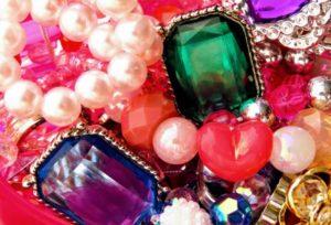 【大阪】ジュエリーリフォーム 思い出の残る宝石を甦らせて… 受け継いだ宝石を自分らしくリメイク!