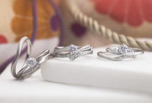 【静岡市で探す結婚指輪】今どきの重ね着けはゴージャスすぎず落ち着いたスタイル?周りとは被らないシンプルだけどオシャレな重ね着け